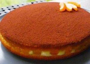 Creamy apricot cake