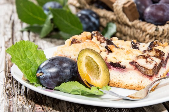 Photo of Plum cake with crumble from the tray – recipe