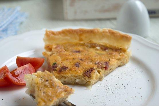 Photo of Onion pie with yeast dough – recipe