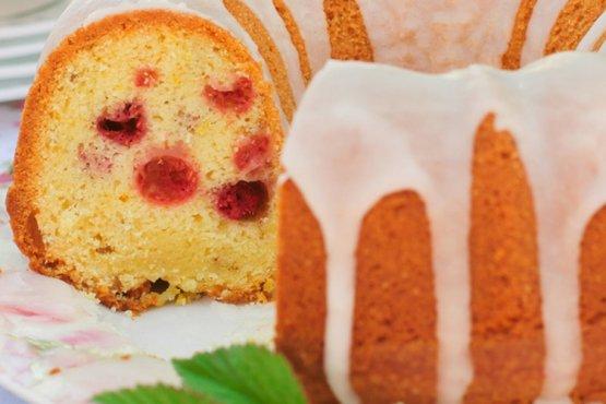 Photo of Raspberry Cake with Lemon Icing Back School
