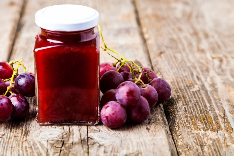 The jam can be kept for a longer period of time if it is well sealed.