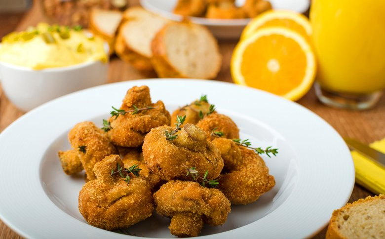 Mushrooms, but also other types of mushrooms, are good for deep-frying.