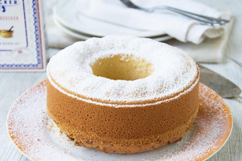 Quick raisin cake